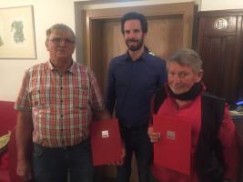 Harald Heller (1.v.l.) und Manfred Dorschner (3.v.l.) wurden vom SPD-Kreisvorsitzenden für langjährige Mitgliedschaft geehrt.