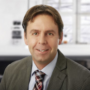 """Seit Jahren Dozent inBürgermeister Ben Schwarz ist seit Jahren Dozent in der Alten- und Krankenpfleg der Alten- und Krankenpflegeausbildung sowie an der WLA-Fürth für die Studiengänge Berufspädagogik im Gesundheitswesen und """"Pflege Dual"""" in Rechtsfragen -"""