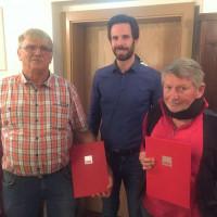 Harald Heller (1.v.l.) wurde für 30 Jahre Mitgliedschaft, Manfred Dorschner (3.v.l) für 40 Jahre Mitgliedschaft vom Kreisvorsitzenden Sven Ehrhardt geehrt.